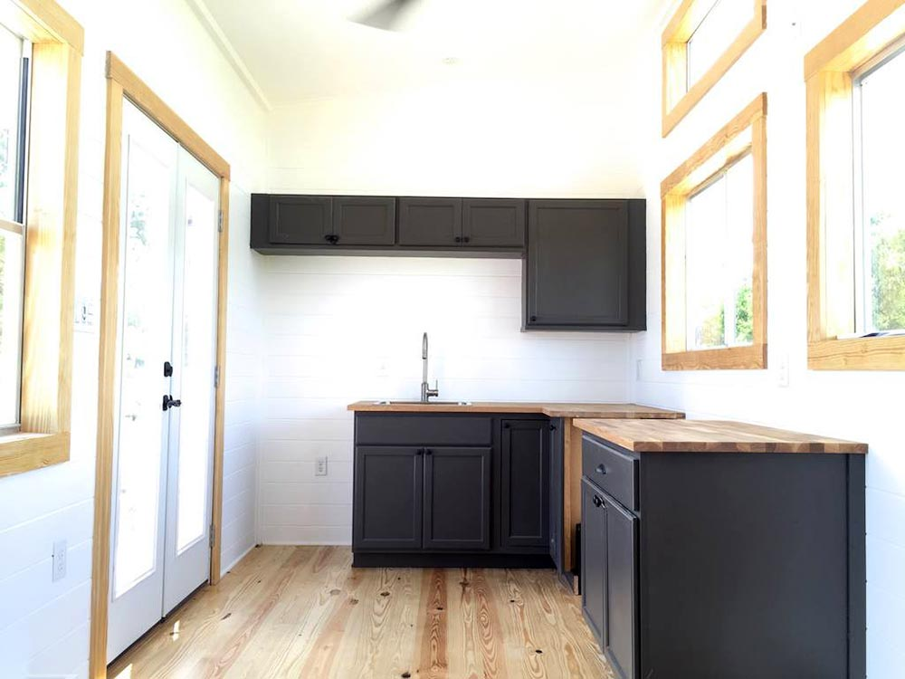 Kitchen - Irving by Tiny House Construction