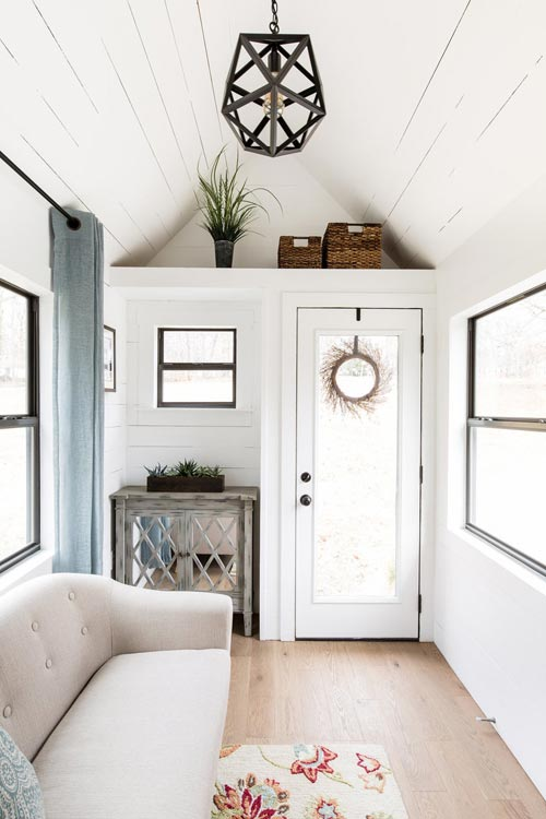 Entryway - Lindley by Tiny Life Construction