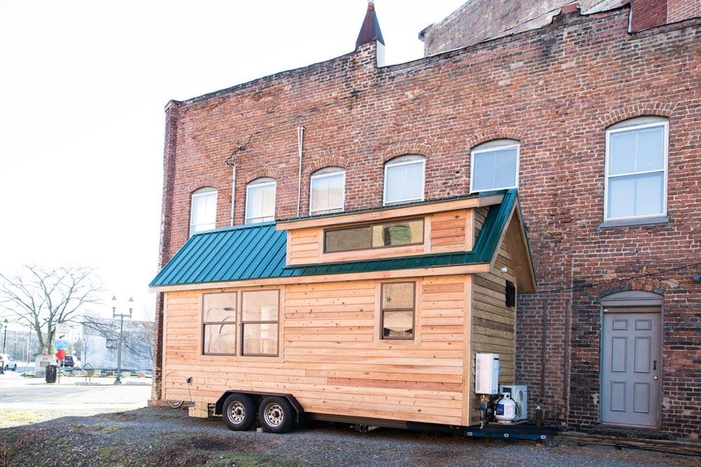 20' Tiny House - Lindley by Tiny Life Construction