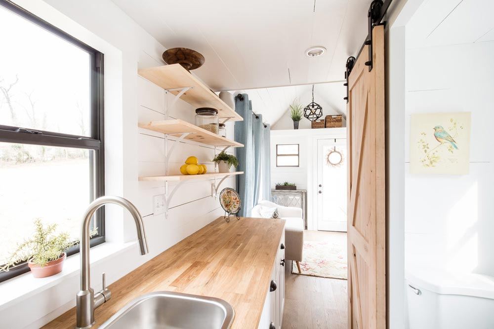 Kitchen - Lindley by Tiny Life Construction