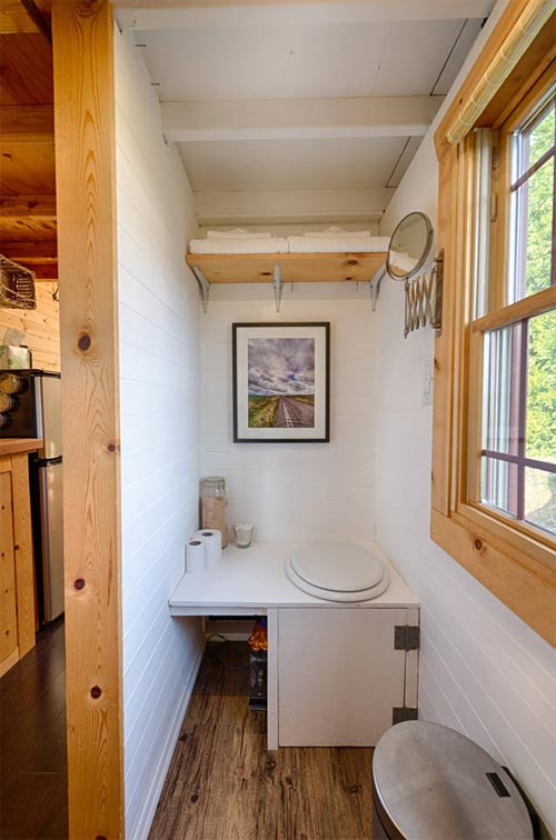Composting Loo - Tiny Tack House