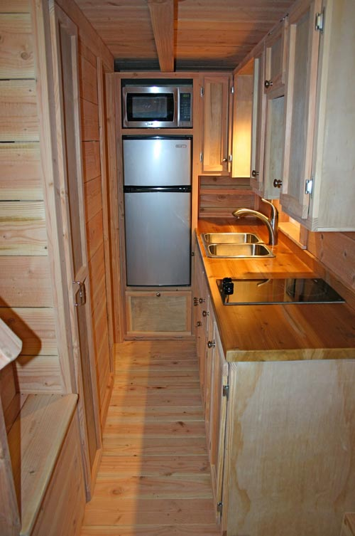 Kitchen - Cape Cod by Molecule Tiny Homes