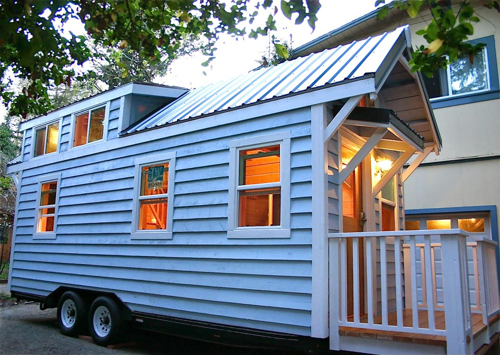 20' Tiny House - Cape Cod by Molecule Tiny Homes