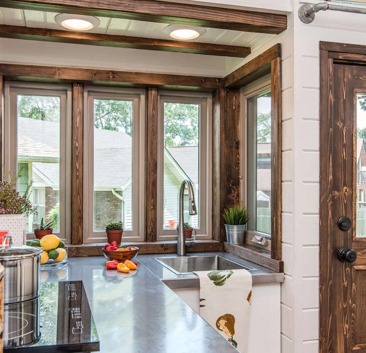 Wrap Around Windows - Cedar Mountain by New Frontier Tiny Homes