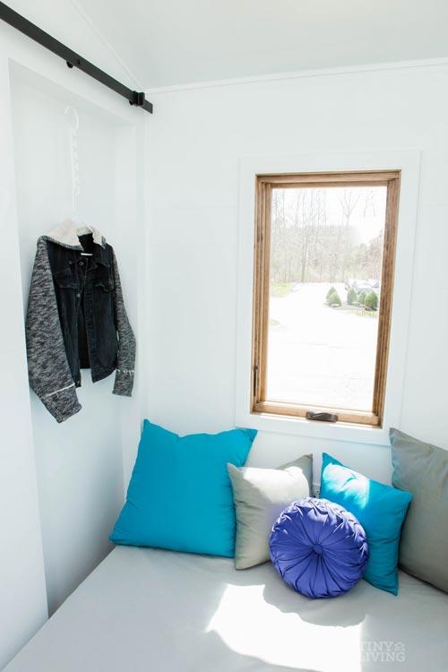 Main Floor Bedroom - Degsy by 84 Lumber