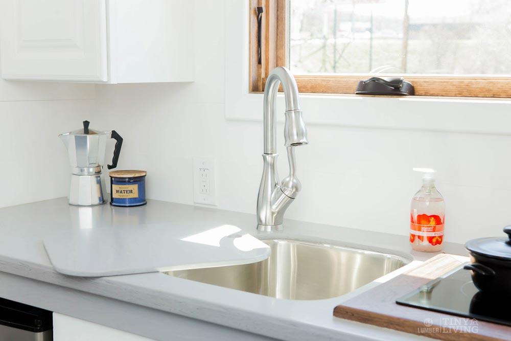 Kitchen Sink - Degsy by 84 Lumber