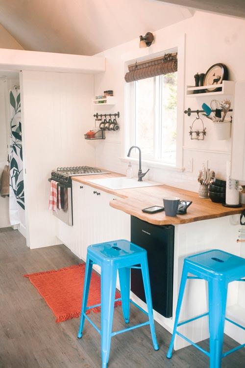 Kitchen - Esket Tiny House