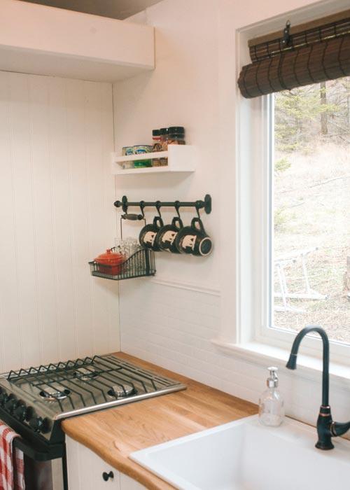 Kitchen Sink & Range - Esket Tiny House