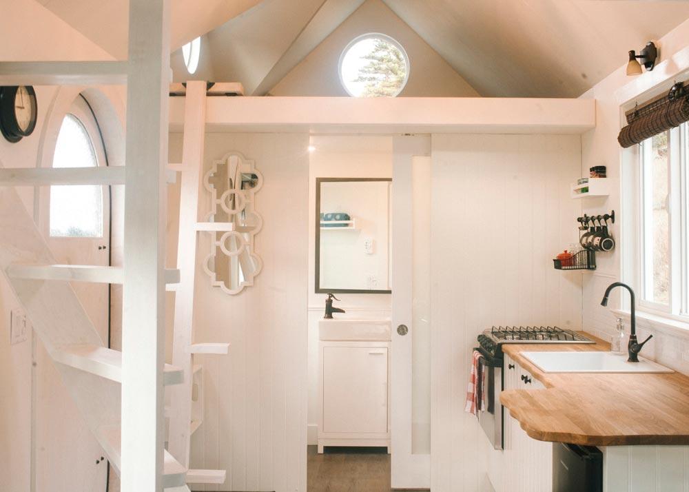 Modern Interior - Esket Tiny House