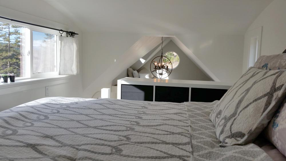Bedroom Loft - Esket Tiny House