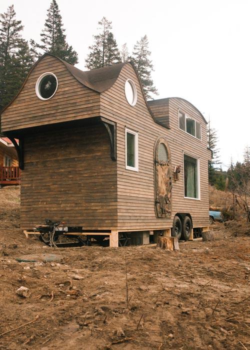 Shou Sugi Ban Treated Pine - Esket Tiny House
