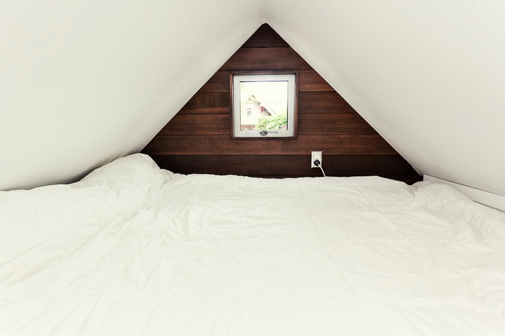 Bedroom Loft - Miter Box by Shelter Wise