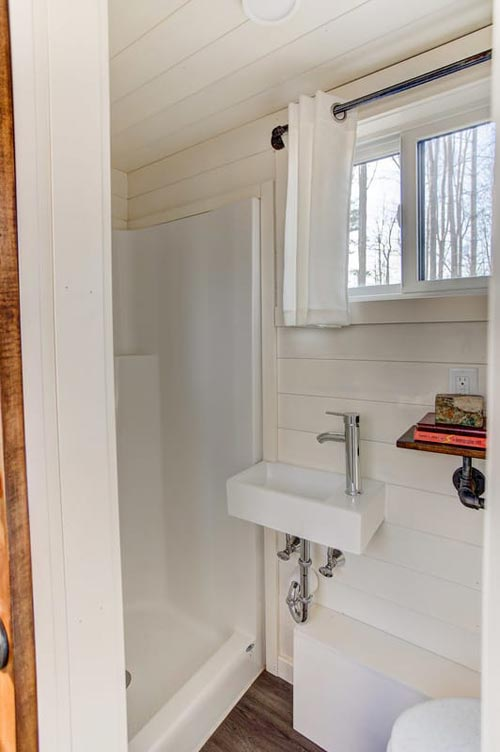 Bathroom Sink - Mohican by Modern Tiny Living