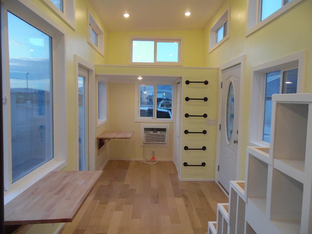Living Area - 30' Off Grid by Upper Valley Tiny Homes