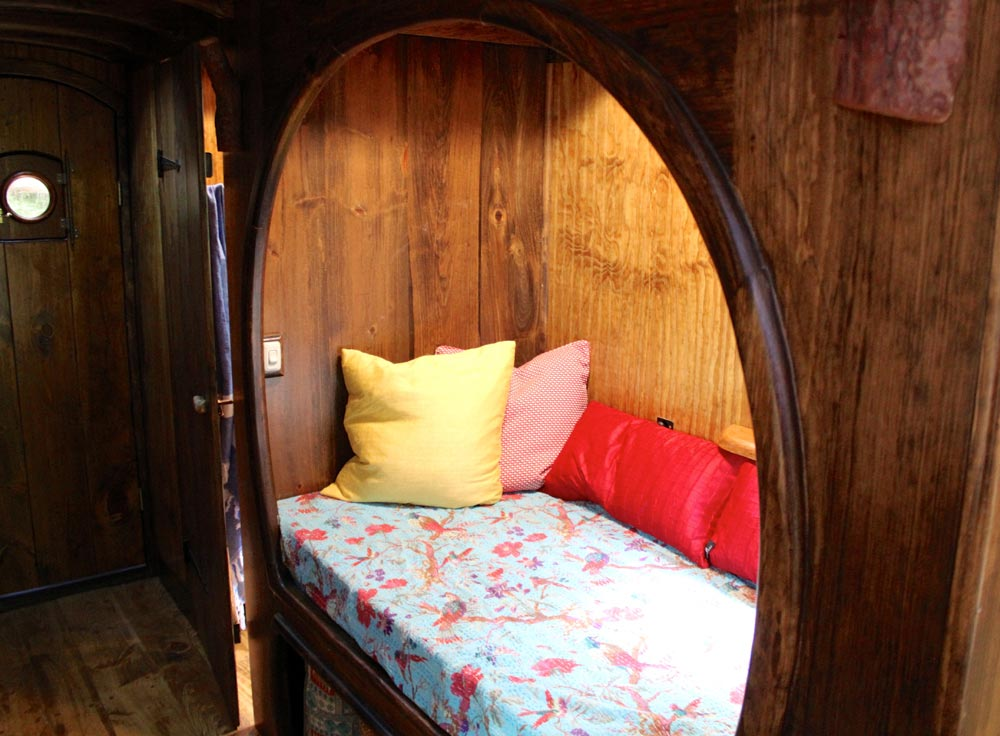 Curved Nook Opening - Old Time Caravan by The Unknown Craftsmen