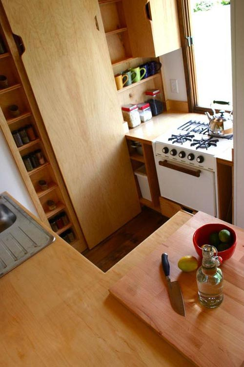 Kitchen - Tall Man's Tiny House