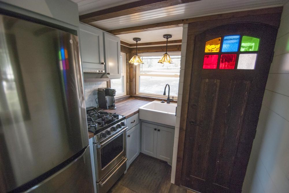 Kitchen - Tiffany by A New Beginning Tiny Homes