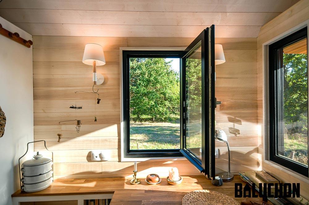 Kitchen Window - Avonlea by Baluchon
