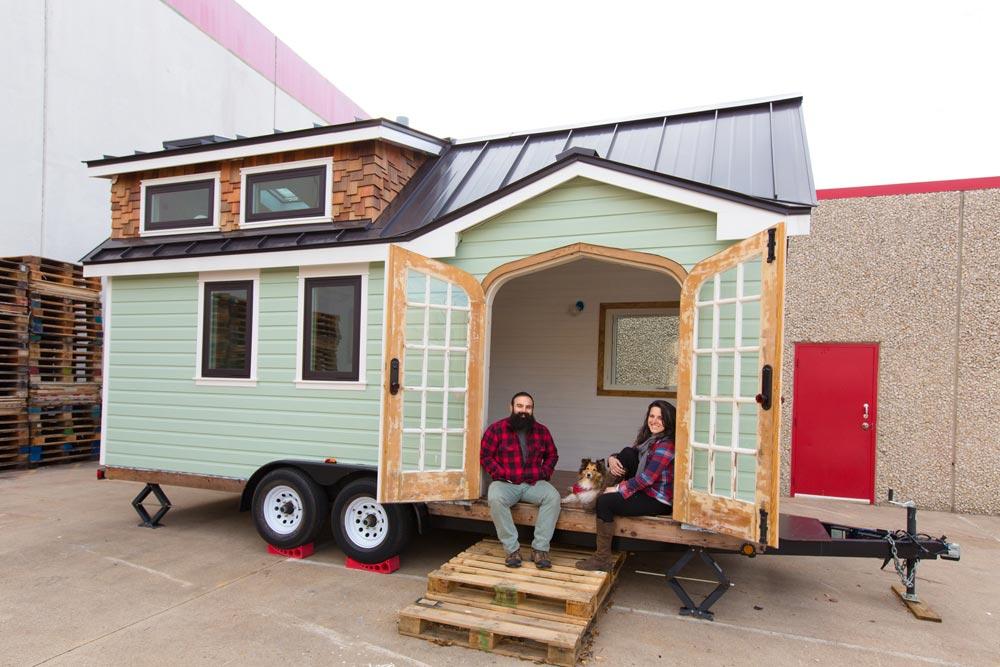 The Hennigans - Best Little House in Texas