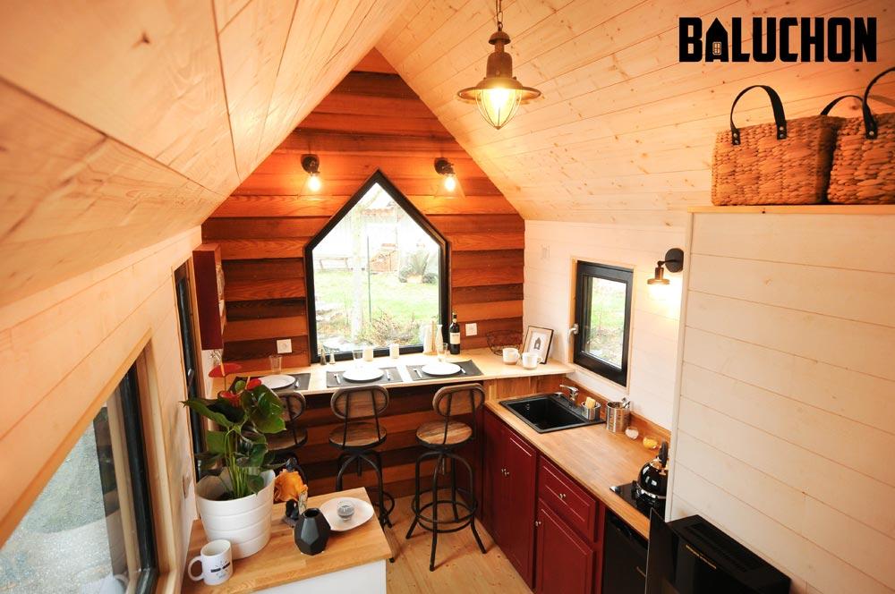 Red Cedar Accent Wall - Calypso by Baluchon