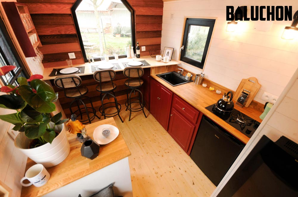 Kitchen with Oak Counters - Calypso by Baluchon