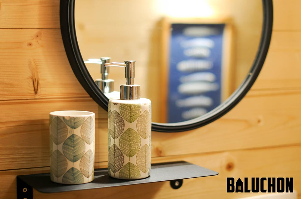 Bathroom Detail - Calypso by Baluchon
