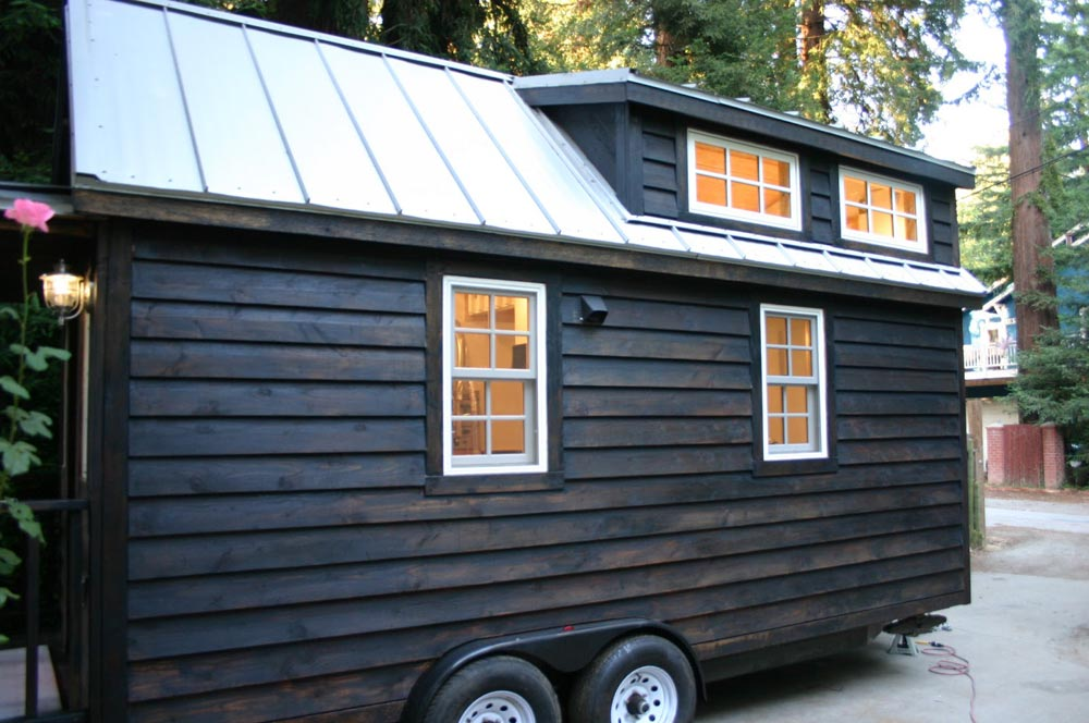 20' Tiny House - Charwood Cabin by Molecule Tiny Homes