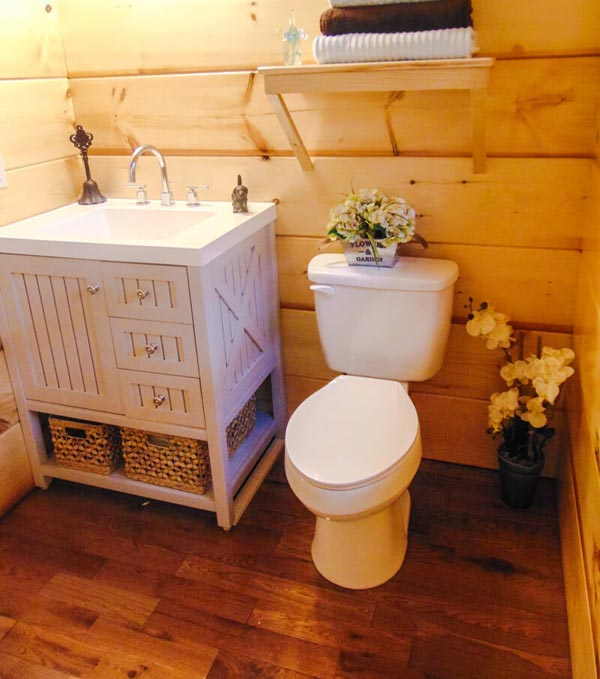 Bathroom - French Quarter by Incredible Tiny Homes