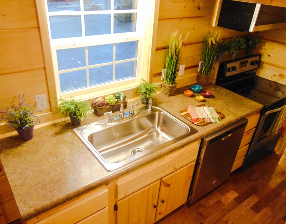 Kitchen Counter - French Quarter by Incredible Tiny Homes