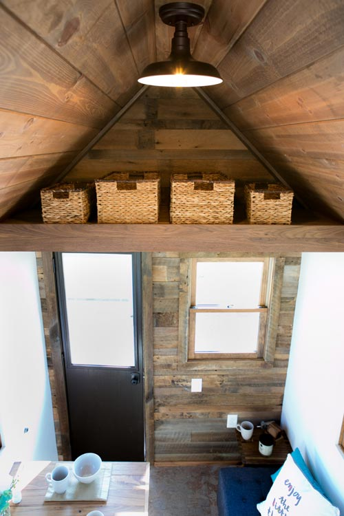 Reclaimed Wood Accent Wall - Roving by 84 Lumber