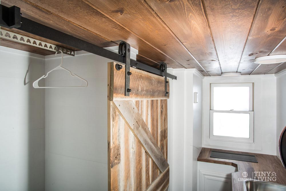 Custom Barn Door - Roving by 84 Lumber