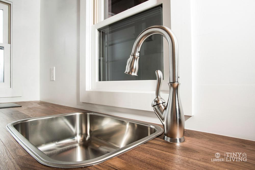 Kitchen Sink - Roving by 84 Lumber