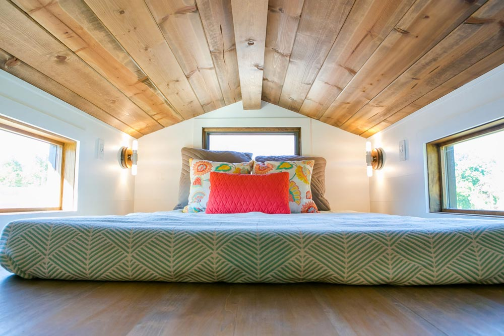 Bedroom Loft - Roving by 84 Lumber
