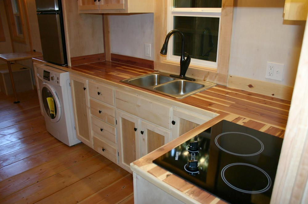L-Shaped Kitchen - Venture by Molecule Tiny Homes