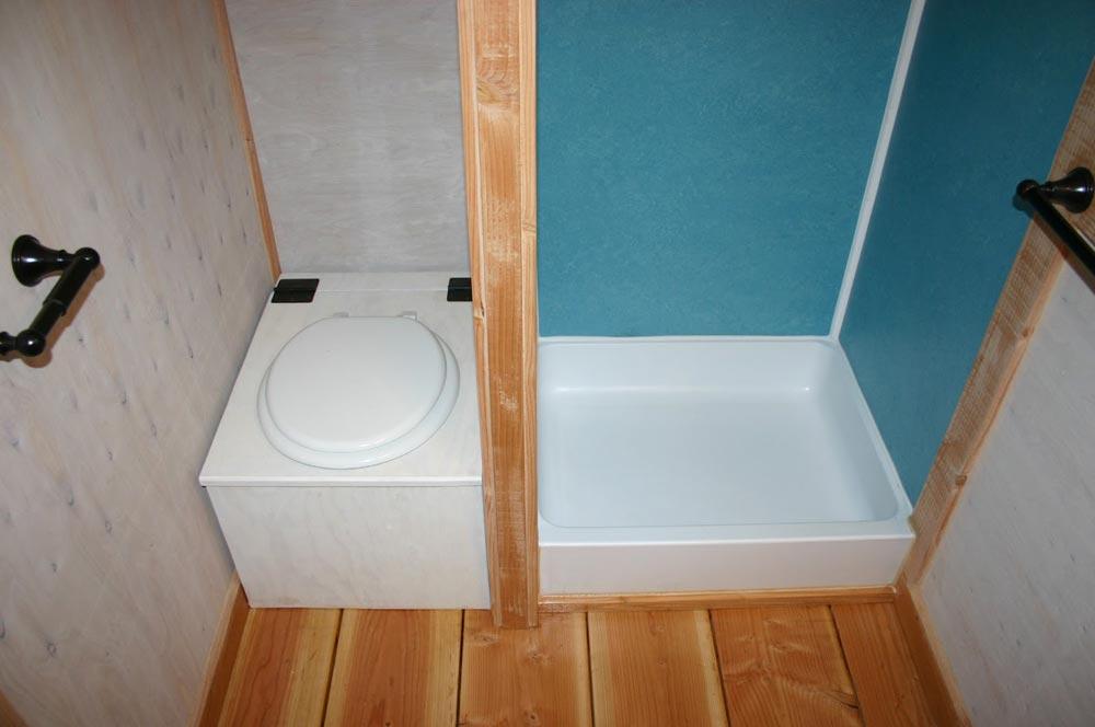 Bathroom - Venture by Molecule Tiny Homes