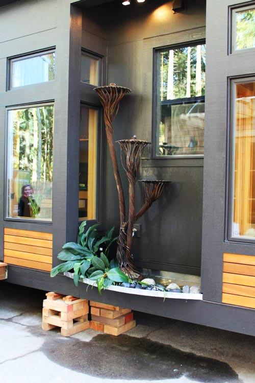 Outside Water Feature - Waterhaus by Greenpod Development