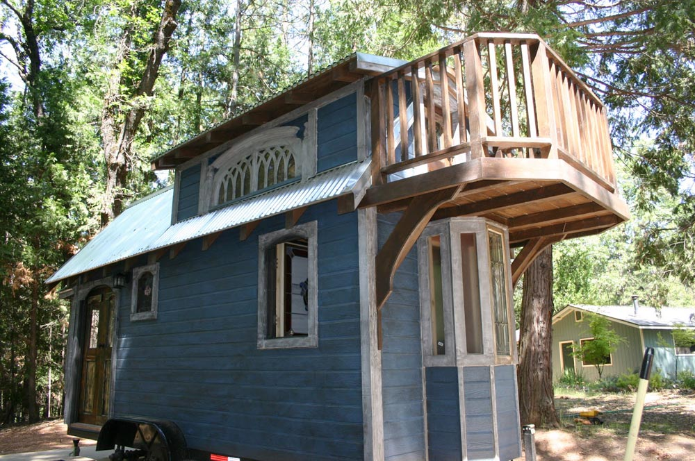 1904 by Molecule Tiny Homes