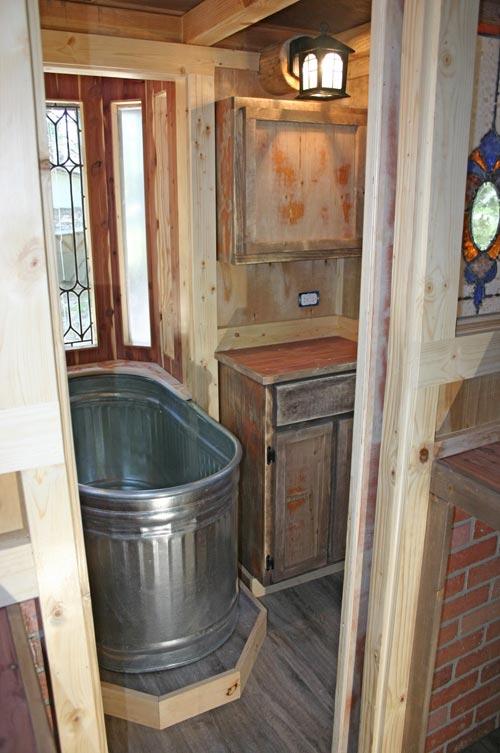 Bathtub - 1904 by Molecule Tiny Homes