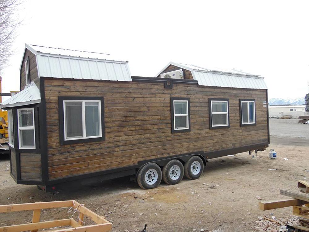 10 Panel Solar Kit - Barn Style by Upper Valley Tiny Homes