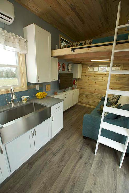 Farm Sink - Brown Bear by Alpine Tiny Homes