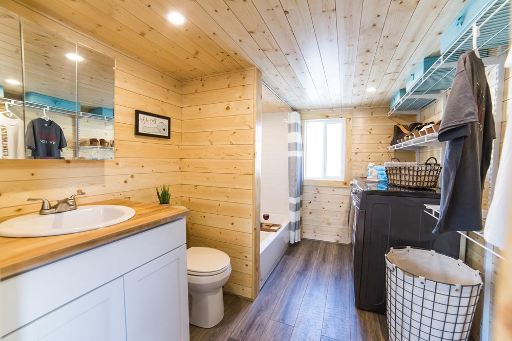 mansion houses with bathrooms mansion elite by uncharted tiny homes tiny living