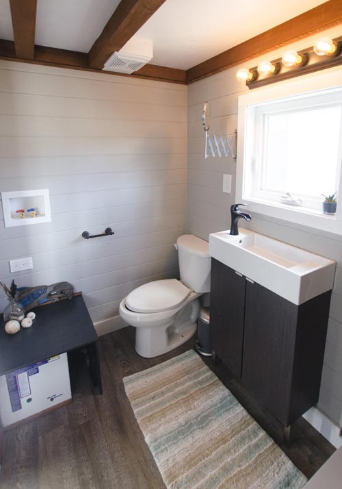 Bathroom - Fox Sparrow by Rewild Homes