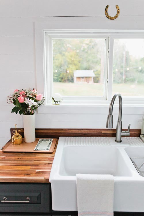 Farmhouse Sink - Golden by American Tiny House