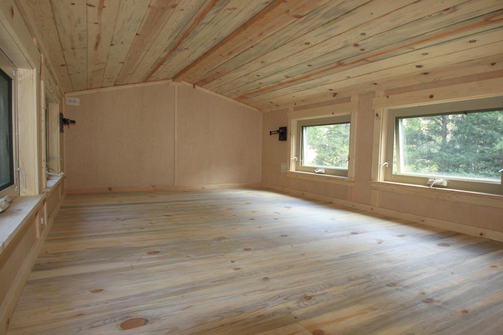 Bedroom Loft - Monarch by SimBLISSity