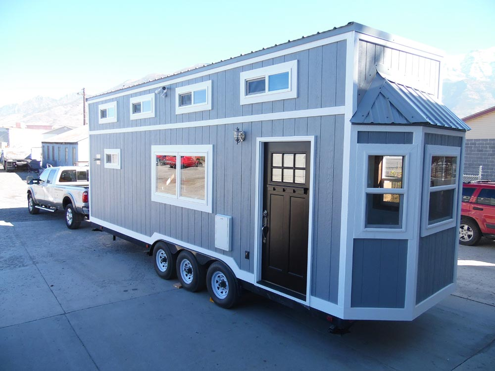 Bay Window - 27' Off Grid by Upper Valley Tiny Homes