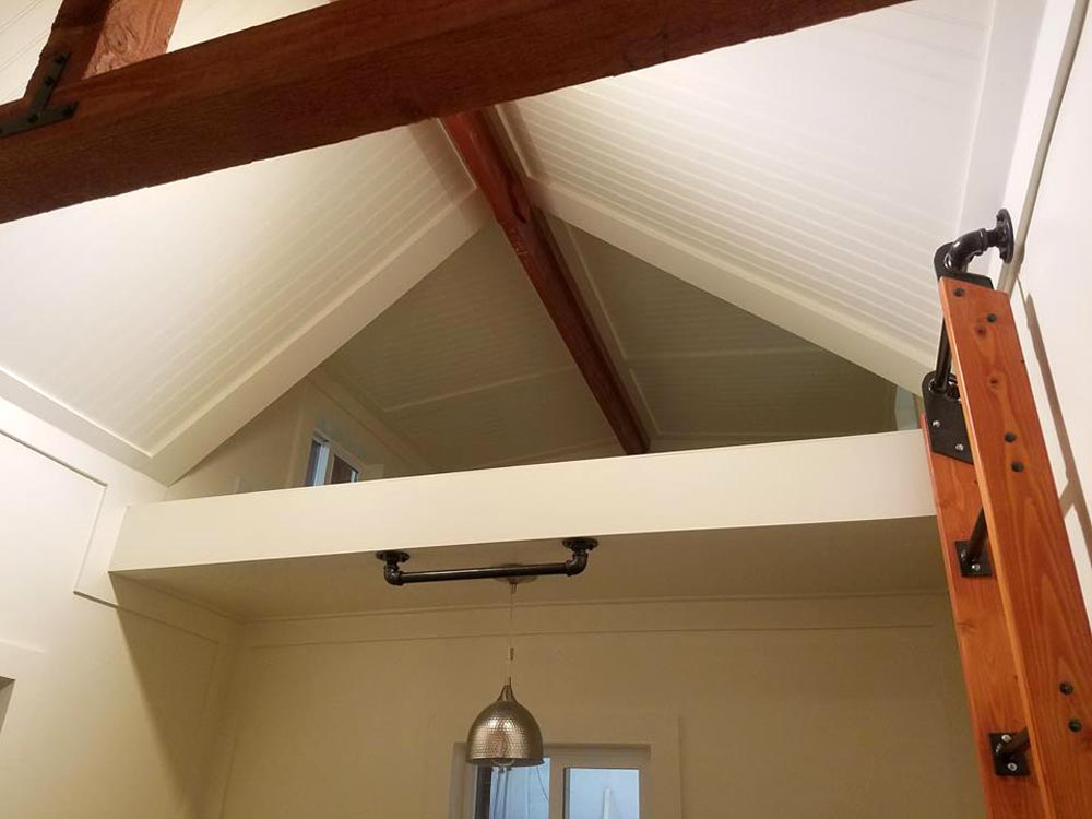 Ceiling Detail - Reagan by Maximus Extreme Living Solutions