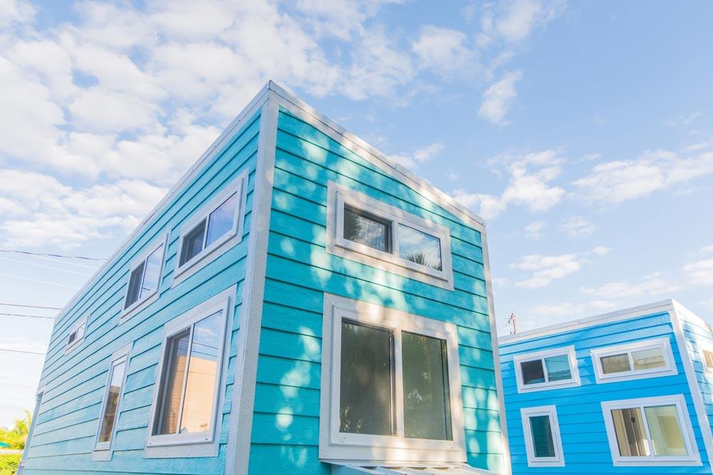 Siesta Key Beach Tiny House Rental - Aqua Oasis by Modern Tiny Living