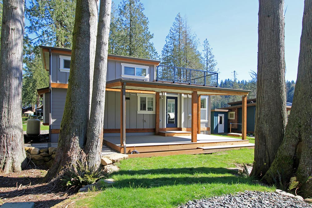 Wildwood Lakefront Cottages - Bellevue by West Coast Homes