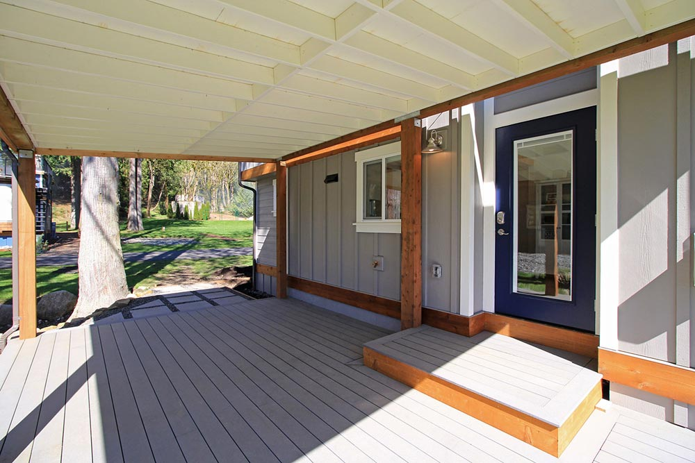 Large Deck - Bellevue by West Coast Homes