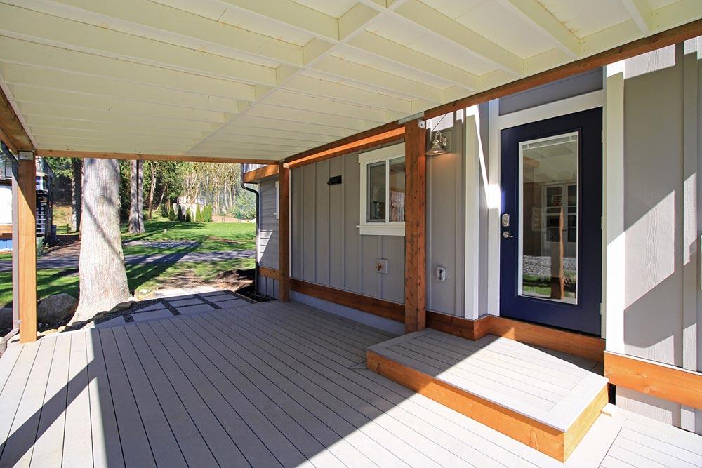 Large Deck - Bellevue by West Coast Homes